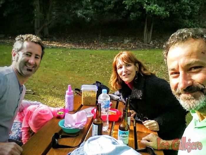 Australia (Tasmania) – Cena campestre con Asier, Laura y Alaya.