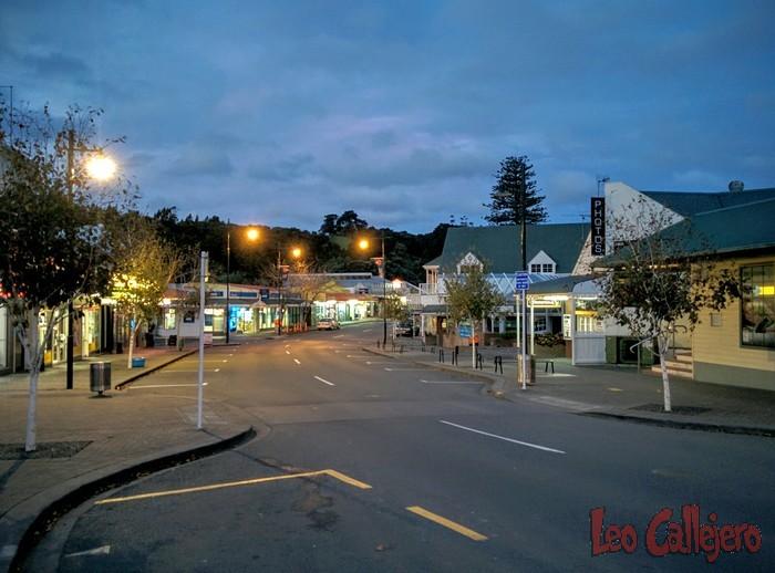 Nueva Zelanda (Whangeteau) – Paseo por Warkworth